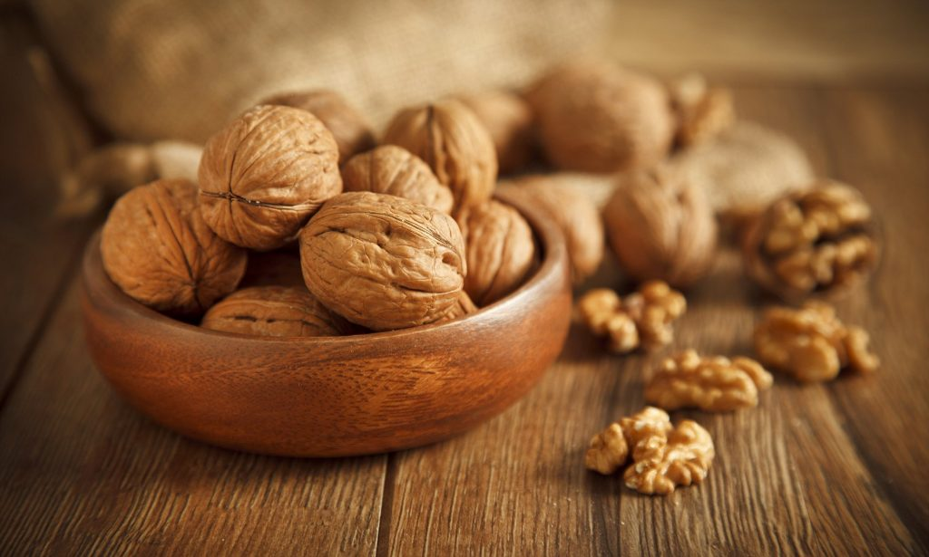 walnuts nutrition facts and calorie