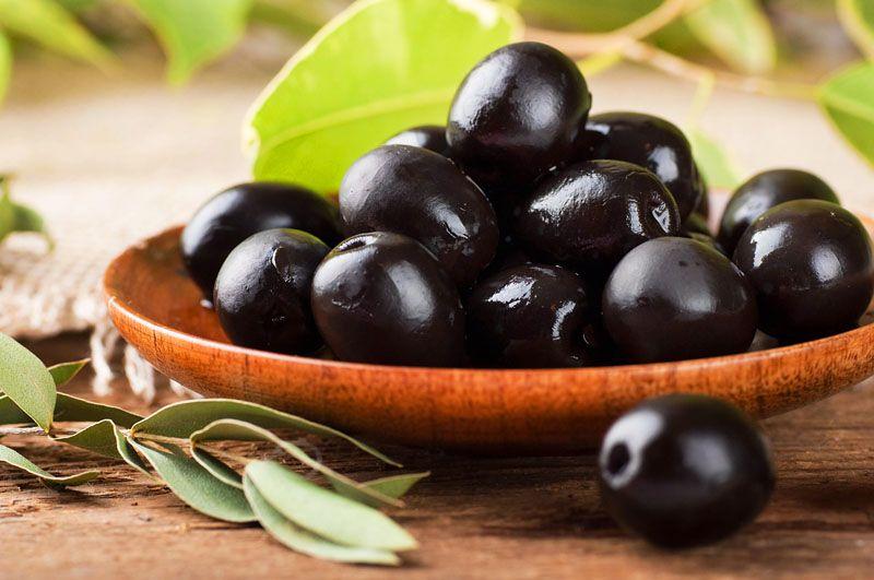 Health Benefits of Eating Black Olives